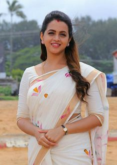 Here u all can c regular updates of all our favorite actress in saree. Beautiful Girl In India, Most Beautiful Indian Actress, Beautiful Saree, Beautiful Actresses, Hot Actresses, Beautiful Women, Beautiful Gorgeous, Simply Beautiful, Cute Beauty