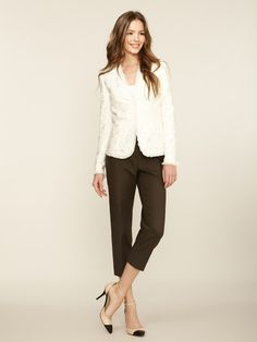 elegant and simple. black and cream with classic chanel pumps. #work wear. #summer. via #thedailystyle