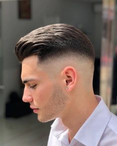 Medium Hair Cuts, Short Hair Cuts, Hair And Beard Styles, Curly Hair Styles, Afro Look, Drop Fade Haircut, Medium Fade Haircut, Trendy Mens Haircuts, Faded Hair