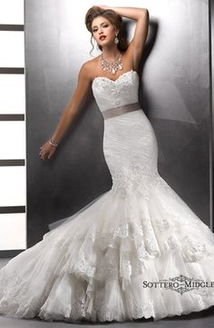 Maggie Sottero - Sweetheart Mermaid Gown in Lace