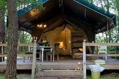"""Camping les Ormes, Saint Etienne de Villareal, Francia. Un camping """"très, très Chic"""" ubicado en el sur de la Dordogne francesa. A mi no me gustan nada los campings, pero este desde luego que hay que ir... porque parece de todo, menos un camping!A los peques le encantarán"""