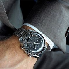Forget performance, a luxurious watch attached to a wrist just always appears to be a significant enhancement to any wardrobe. Brand names like Rolex and Cartier carry an air of authority that real… Men's Watches, Modern Watches, Luxury Watches For Men, Vintage Watches, Cool Watches, Wrist Watches, Fashion Watches, Male Watches, Ladies Watches