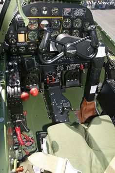 Vintage Aircraft Lightning Cockpit - Key Publishing Ltd Aviation Forums Ww2 Aircraft, Fighter Aircraft, Military Aircraft, Fighter Jets, Military Army, Image Avion, Lockheed P 38 Lightning, Aviation Forum, Aircraft Interiors