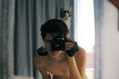 Hot Guys Newsletter Men With Cats Crazy Cat Lady, Crazy Cats, Men With Cats, Image Chat, Boy Cat, Cat Aesthetic, Cat People, Cute Guys, Character Inspiration