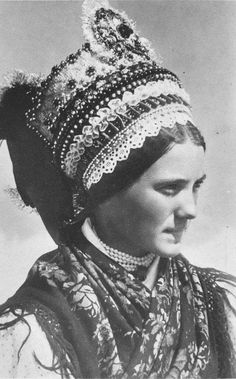 Art Costume, Folk Costume, Shaman Woman, Bridal Headdress, Folk Dance, Tribal Fusion, Folk Music, My Heritage, Old Pictures