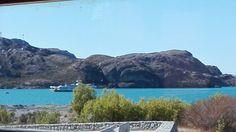 Barcaza La Tehuelche llegando a Puerto