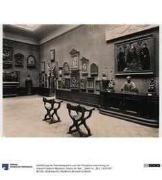 Aufstellung der Gemäldegalerie und der Skulpturensammlung im Kaiser-Friedrich-Museum, Raum 34, Italienische Ton- und Stuckbildwerke sowie Gemälde des 15. Jh. (Donatello-Saal)