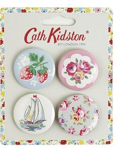 Customise your clothes and bags with these pretty button badges.