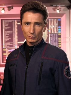 """Lt. Malcolm Reed - Dominic Keating remember him from the 1990's VO-5 commercials saying """"sal-lon""""?"""