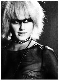 Daryl Hannah as Pris, Blade Runner (Thx Carlo) Daryl Hannah, Tv Movie, Sci Fi Movies, Fantasy Movies, Film Blade Runner, Blade Runner Pris, Sean Young, Ridley Scott, Movie Stars