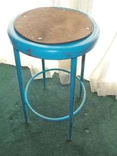 another simple stool for a nice mismatched set