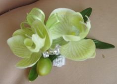 orchid hair pin..different color though