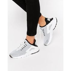 Nike Air Black & Grey Huarache Run Sneakers (240 BGN) ❤ liked on Polyvore featuring shoes, sneakers, whiteblack, lace up sneakers, gray shoes, black trainers, nike trainers and nike sneakers