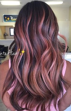 rose gold hair Terrific Screen Rose Gold Hair brunette Style If youve viewed the wild hair coloration trends with your cultural advertising give not too long Cabelo Rose Gold, Rose Gold Hair Brunette, Long Brunette, Brunette Color, Hair Color For Black Hair, Cool Hair Color, Rose Gold Brown Hair Color, Hair Colour, Pink Hair Highlights