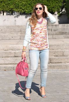 Multicolour Sweater  , H in Sweaters, H in Jeans, Frida in Heels / Wedges