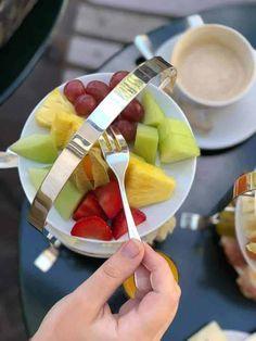 What You Eat, Sunday Brunch, Food Pictures, Fruit Salad, Switzerland, Restaurants, Yummy Food, Foods, Desserts