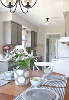 2017 Spring Home Tour - The Golden Sycamore (grey kitchen)