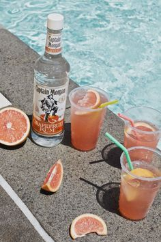 Beware, the Captain has a sour bite.  Palomaloha Recipe 1.5oz Captain Morgan Grapefruit Rum Juice of a half Lime  Grapefruit Soda to top