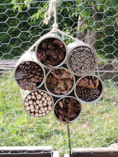 In my garden # 11 – Ninette sews – # sews – Garden Projects Bug Hotel, Insect Hotel, Garden Crafts, Garden Projects, Garden Art, Fence Garden, Jardin Vertical Artificial, Succulents Garden, Growing Plants