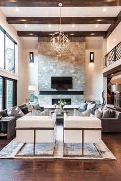 Modern Family Rooms, Large Family Rooms, Modern Room, Bedroom Modern, Large Living Rooms, High Ceiling Living Room Modern, Family Room Design With Tv, Modern Contemporary Living Room, Modern Ceiling