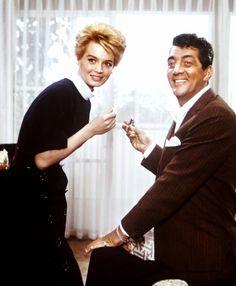 """Angie DICKINSON and Dean MARTIN dans """"L'inconnu de Las Vegas"""" (1960)"""