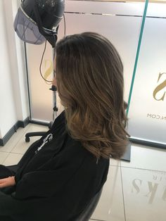 Subtle Balayage. Simple. Effective. Wavy Hair. Mid Length Hair. Subtle Balayage, Mid Length Hair, Wavy Hair, Hair Lengths, Stylists, Simple, Middle Length Hair, Hair Weaves, Wavey Hair