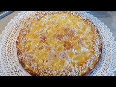 Grab 2 Apples and make this delicious cake! You can do it in 5 MINUTES! - YouTube Cake Mix Desserts, Kinds Of Desserts, Apple Desserts, Apple Recipes, Sweet Recipes, Baking Recipes, Delicious Desserts, Cake Recipes, Dessert Recipes