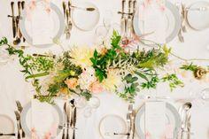 MODEST ELEGANT FLOWER / WEDDING   ARCH DAYS