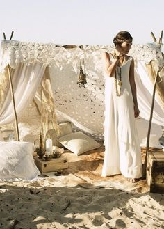 beach tent.  I can do this.  I can totally do this. Have the beach, have the driftwood sticks, have the vintage linens, have the vintage dress..... just need a willing model!