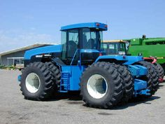 drive tractor, used for pulling large implements such as plows. Big Tractors, Ford Tractors, Vintage Tractors, New Holland Ford, New Holland Tractor, New Holland Agriculture, Ford News, Four Wheel Drive, Heavy Equipment