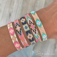 I needed showing you how to make a bracelet with natural stone and leather thread with video. Bead Loom Bracelets, Bracelet Crafts, Woven Bracelets, Handmade Bracelets, Earrings Handmade, Handmade Jewelry, Peyote Beading Patterns, Loom Bracelet Patterns, Bead Loom Patterns