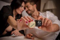 Los mejores juegos eróticos para disfrutar en pareja. ¿Aburrid@ de la monotonía sexual de pareja? No le des más vueltas y ponle solución al asunto. Si lo que te faltan son ideas, por suerte, ya hay creados un sinfín de juegos listos para jugar y disfrutar. #monotonia #juegoseróticos #lenceriasensual #ideasdecoraciónromántica  #comosoprenderamipareja #lovers #ideasmesaromantica #valentineday #sanvalentin #cajasromanticas #cajasromanticasysensuales #romanticmoment #regalosoriginales…