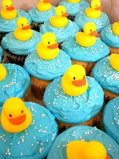 Duck Cupcakes just for you ms broom Duck Cupcakes, Cupcakes For Boys, Easter Cupcakes, Baby Shower Cupcakes, Shower Cakes, Cupcake Cakes, Baby Shower Images, Baby Shower Duck, Rubber Ducky Baby Shower