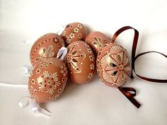 Set of 6 brown Hand Decorated Painted Easter Egg Madeira with string, Traditional Slavic Wax Pinhead Chicken Egg, Pysanka