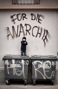 Für die Anarchie, Hure!