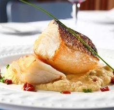 Bacalhau grelhado - Fique a conhecer todas as receitas tradicionais portuguesas em: www.asenhoradomonte.com