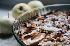 Contrary to popular beliefs you don't need to bake with a lot of sugar to make something taste amazing, this sugar free apple cake turned out so tasty and you would never believe it doesn't have sugar in it! Sugar Free Apple Cake, Sugar Free Desserts, Apple Pie, Oatmeal, Deserts, Beans, Vegetarian, Tasty, Baking