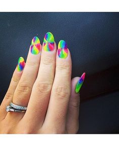 Celebrity Nail Art 9 Of The Best Famous Manis From Grammy Awards 2014