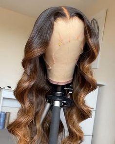 Wig Styles, Curly Hair Styles, Natural Hair Styles, Natural Afro Hairstyles, Wig Hairstyles, Highlights Curly Hair, Blonde Hair, Black Hair Inspiration, Honey Brown Hair