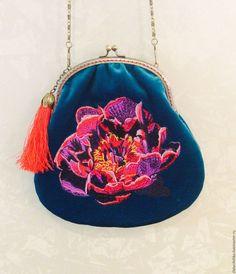 """Купить Нарядная бархатная сумочка с вышивкой """"Мак"""". На фермуаре. - сумочка с вышивкой, вышитая сумочка"""