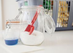 to Make 10 DIY Laundry Products 10 Homemade Laundry Detergents Better Than the Store-Bought Homemade Laundry Detergents Better Than the Store-Bought Version Baking Soda In Laundry, Baking Soda Uses, Laundry Detergent Recipe, Homemade Laundry Detergent, Washing Detergent, Dishwasher Detergent, Homemade Cleaning Products, Natural Cleaning Products, Cleaning Tips