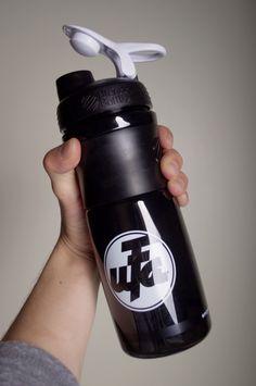 """""""UFA"""" 28oz Sport Shaker Bottle"""