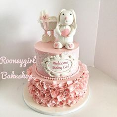 Bunny And Stroller Baby Shower vintage style cake with cake lace, ruffles, handmade bunny and baby stroller; Torta Baby Shower, Decoracion Baby Shower Nena, Baby Shower Parties, Baby Shower Themes, Shower Ideas, Welcome Baby Girls, Baby Shower Vintage, Honey Cake, Girl Cakes