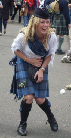 What exactly is a ladies kilt, and how does it differ, if at all, from a traditional man's kilt? Scottish Costume, Scottish Dress, Scottish Women, Scottish Fashion, Tartan Kilt, Tartan Dress, Tartan Sash, Tweed, Men In Kilts