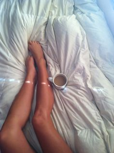 sexhilaration:  raysofthesun:  shine-0n-darling:  wtF ARE YOU STUPID DO YOU WANT TO RUIN YOUR PERFECTLY GOOD WHITE SHEETS FOR ONE LOUSY CUP OF COFFEE LIKE HONESTLY I'M SURE IT TASTES GOOD BUT HAVE SOME COMMON SENSE WOMAN  honestly, if i wanted to ruin my sheets, then i ruin my sheets, what is it to you? here's some advice, worry about you own fucking bed sheets 3  olga you are perfect, just look at this picture