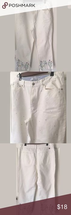 "👩🏻👖Tommy Hilfiger Embellished Capri Jeans Sz 14 Womens Tommy Hilfiger White Embellished Capri Jeans Size 14  Measurements: Waist: 33"" Hips: 46"" Inseam: 23.5"" Condition: Excellent  These jeans are soooo cute! They are embellished at the bottom with sequins on the legs. Made from 100% cotton. Thank you for considering this item! Tommy Hilfiger Jeans Ankle & Cropped"