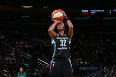 Swin Cash colgará las botas al finalizar esta temporada Seguir a @elecapo87 Seguir a @Basketfem Swin Cash anuncia que tras 15 temporadas en la WNBA se retirará al finalizar la temporada. La jugador…