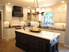 15 ideas for kitchen island lighting copper range hoods Kitchen Vent Hood, Kitchen Stove, Copper Kitchen, Rustic Kitchen, Kitchen Decor, Kitchen Ideas, Kitchen Designs, Tudor Kitchen, Kitchen Cabinets