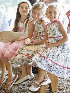 A Stylist's Classy and Creative Wedding Reception fans Cheap Favors, Wedding Favors Cheap, Casual Wedding Decor, Dream Kids, Carnival Wedding, Wedding Girl, May Weddings, Whimsical Wedding, Wedding Images