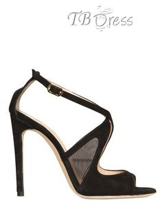 Scarpe, scarpe, scarpe! Noi donne amiamo le scarpe e ancor più i tacchi alti!